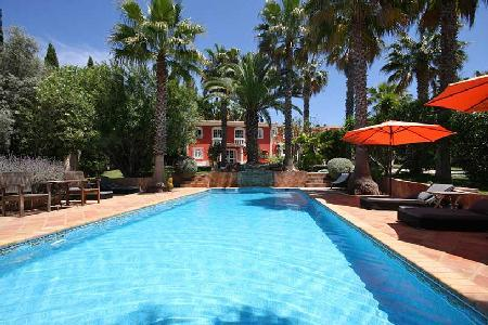 Quinta Vailima A Majestic Villa Enjoy Pool, Privacy and Outdoor Living