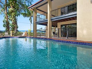 Dolce Vita Large Beach House in Cairns / Palm Cove