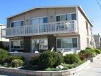 Spacious 4 Bedroom Beach House! 1 House From Sand! (68251)