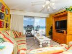 TP 203: beautiful beach condo-flatscreen TV,WiFi, balcony,ipod dock,beach SVC