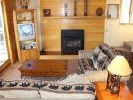 TR429 Nice Condo w/Wifi, Clubhouse, Mountain Views, Fireplace