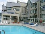Cozy unit with firplace, nice big hot tub in complex, free parking & internet