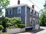 Idyllic 5 Bedroom/3 Bathroom House in Nantucket (8529)