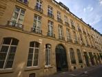 Paris Apartment Left Bank, Elegant and Quiet - Rue de Verneuil