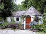 MILLSTREAM, romantic, character holiday cottage, with a garden in Tintagel, Ref 983