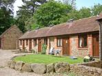 SPINNEY RETREAT, pet friendly, luxury holiday cottage, with a garden in Cardington Near Church Stretton, Ref 1191