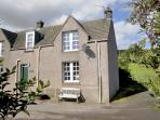 NEAR BANK COTTAGE, pet friendly, character holiday cottage, with open fire in St. Abbs, Ref 801