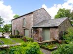 PICKLE BARN, family friendly, luxury holiday cottage, with a garden in Hutton Roof, Ref 2198