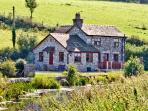 WHARF COTTAGE, pet friendly, character holiday cottage, with a garden in Burton-In-Kendal, Ref 2200