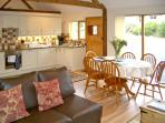 HAPPY UNION STABLES, family friendly, character holiday cottage, with a garden in Abbeycwmhir, Ref 3605