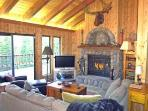 Woodcrest Cabin - Hot Tub, Game Room Dog Friendly