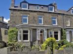 CRAVEN HOUSE, pet friendly, character holiday cottage, with a garden in Skipton, Ref 2275
