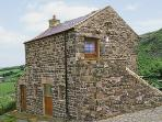 MEADOWS EDGE, pet friendly, character holiday cottage, with a garden in Holwick Near Middleton-In-Teesdale, Ref 356