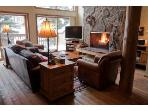 Spacious Ski-In Condo - Hdtv,Wifi,Hot Tub,Yellowst