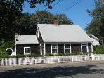 CHARMING EDGARTOWN VILLAGE COTTAGE - EDG HMIM-80