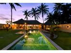 14m-Pool Villa, min. to UBUD, Wifi, Parking, Views