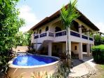 Casa Papaya con Leche beach front home with pool