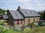 Glengarriff Holiday Home.Exceptional stone cottage