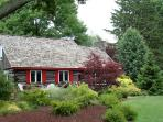 Charming Cabin - Private Beach/Harbor Shores Golf
