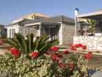 Harmony Villa 1 - 2 bedroom free WiFi near the sea