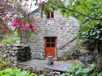 Coach House - Quaint Romantic Cottage in Snowdonia