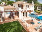Pinheiros Altos villa with private pool: PV3-16
