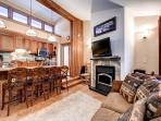 Peak 8 Village B9 Remodeled 2BR Wood Fireplace Shuttle Breckenridge Lodging