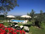 Romantic villa, pool, A/C, walking  Cortona