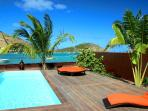 Private beach, stylish 3 BR villa, View Pinel Isle