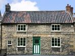 OLD SCHOOL HOUSE, family friendly, character holiday cottage, with open fire in Thornton-Le-Dale, Ref 4468
