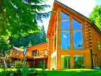 Luxurious Riverfront Log Home - North Bend, WA