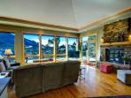 Almost Heaven at Windcliff, PANORAMIC Great Room & Deck VIEWS, Window Wall, Wildlife, Hot Tub, Lux Master Suite & Kitchen, Den