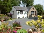 Holiday Cottage - Old Chapel Cottage, Dinas