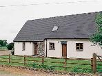 Pet Friendly Holiday Cottage - Siop Fach, Brynberian, Nr Newport