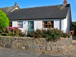Pet Friendly Holiday Cottage - Ty Bychan, Dinas Cross