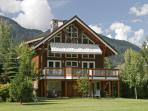 Luxury 5 bedroom Whistler Chalet on Golf Course