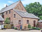 ROCKLANDS FARM, country holiday cottage, with a garden in Goodrich, Ref 5666
