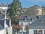 Historic Townhouse in Old Amboise with Castle View