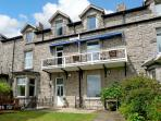 1 LINGFELL, pet friendly, character holiday cottage, with a garden in Grange-Over-Sands, Ref 7913