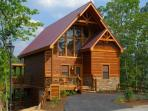 A Suite Mountain Escape - 2BR/2BA w/Loft, Sleeps 8