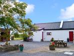 THE STUDIO, romantic, character holiday cottage, with hot tub in Balla, County Mayo, Ref 8329
