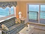 Gulf Front! Huge Destin Towers 2BR, French Decor!
