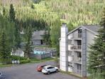 3 bedroom 3 bathroom 1000 sq feet condo on ground level East Vail free bus