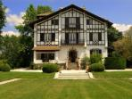 Luxury French Villa Walking Distance to Town - Manoir Atlantique