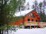 Unique Handmade Log Cabin, Lots of Amenities,Lake