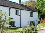 OLD VICARAGE COTTAGE, pet friendly, character holiday cottage, with a garden in Hay-on-Wye, Ref 9211