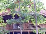 Hideaway Haven -5 bedrooms / 3 baths / sleeps 18