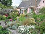 Garden Cottage Self Catering with Lake View