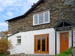 WOODBINE COTTAGE, family friendly, character holiday cottage, with a garden in Ambleside, Ref 11682