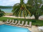 A Summer Place on Discovery Bay- private beach, pool, tennis & staff